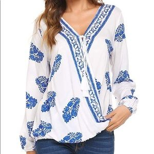 🍓Shein blue and white boho beachy top
